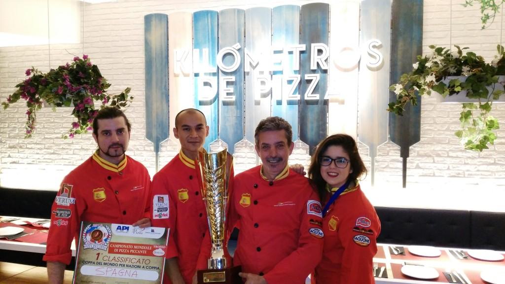 El equipo español participó en el campeonato con cuatro pizzas