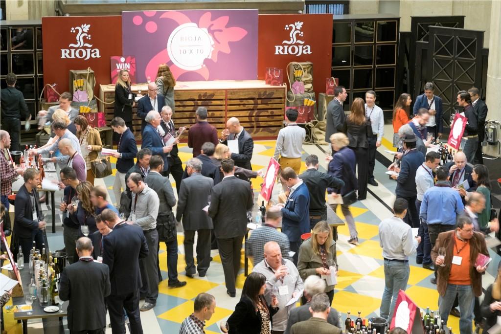 Salón de los Vinos de Rioja en Londres para profesionales, donde se ha presentado una selección de 100 vinos realizada por doce expertos del Reino Unido