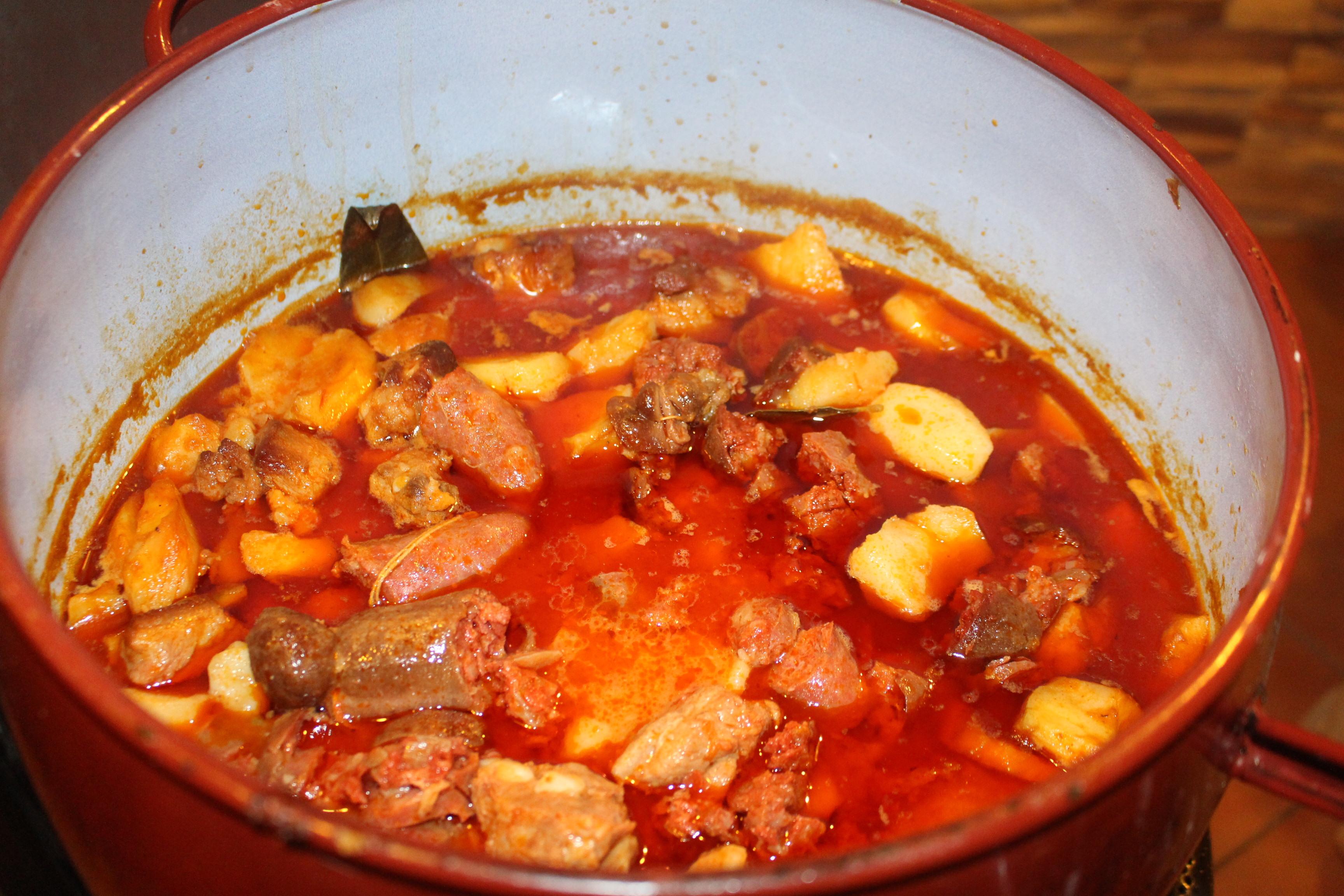 Receta Del Día Guiso De Patatas Con Costillas Y Chorizos