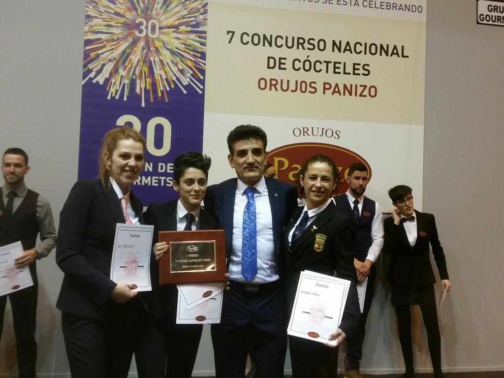 Jerónimo Panizo, con las tres ganadoras