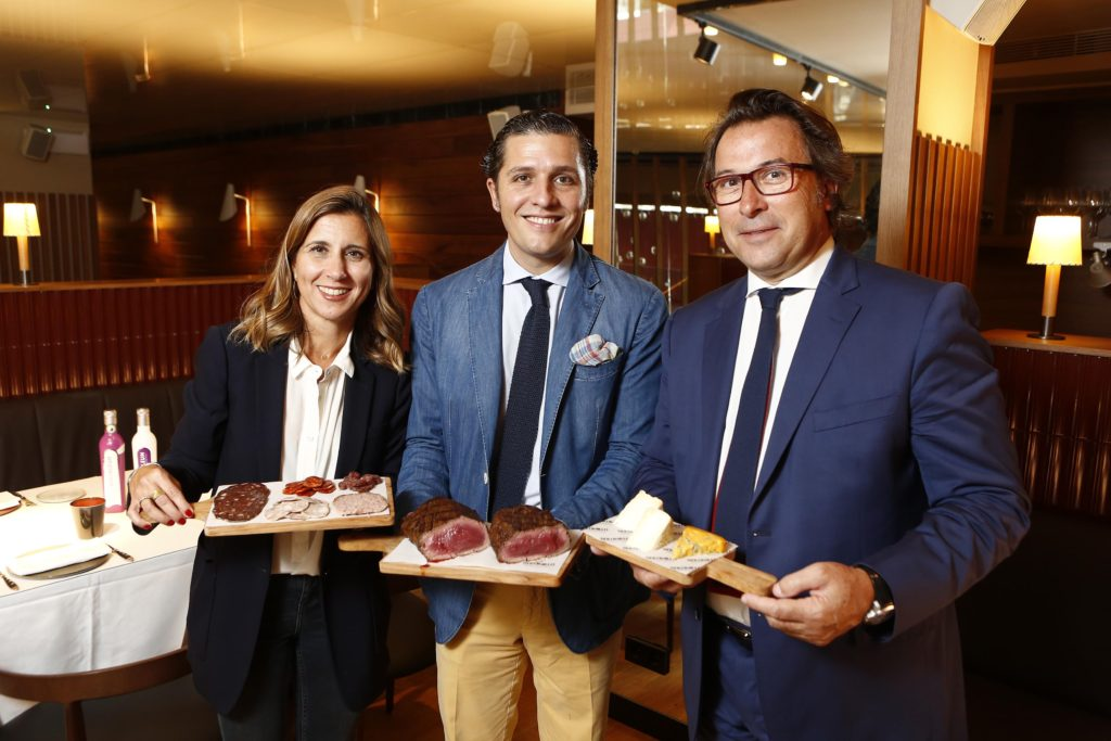 CarolinaBorrell, Enrique Valenti, JavierJulia