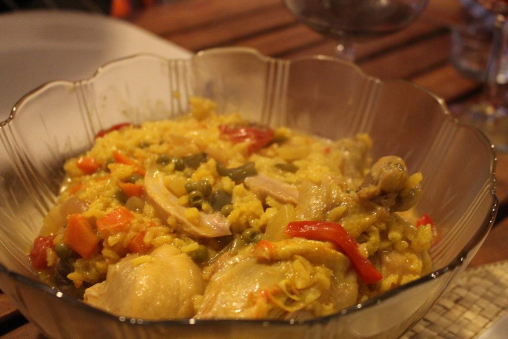 Receta rápida: Pollo guisado con arroz y verduras