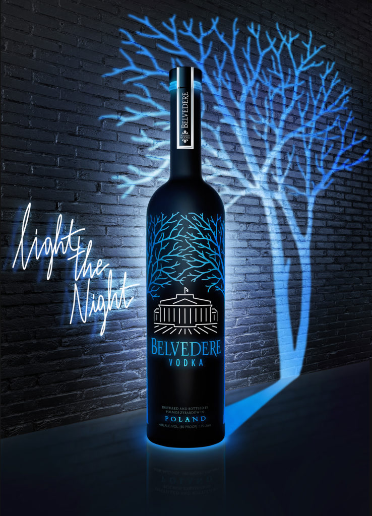 "Belvedere Vodka presenta la nueva botella luminosa  ""Midnight Saber"""
