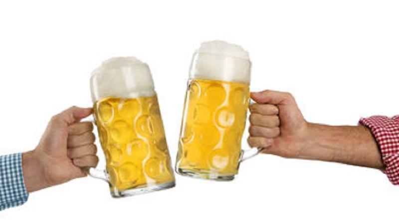 Beber una cerveza al día reduce el riesgo de sufrir un ataque al corazón