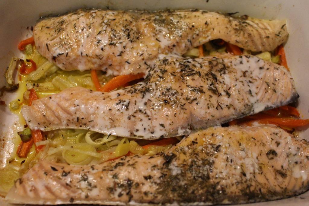 Receta de pescado: escalopines de salmón con verduras