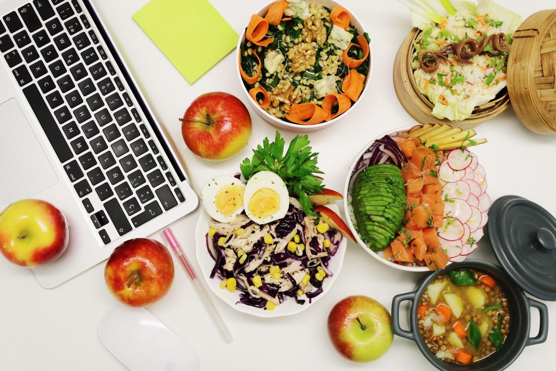 Comer bien en el trabajo ayuda a mejorar la salud y el for Comida oficina